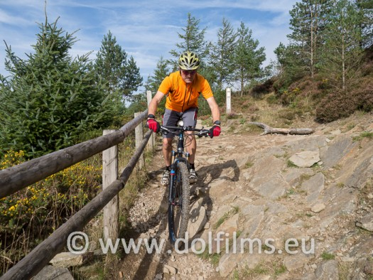 stockfoto mountain biker Wales