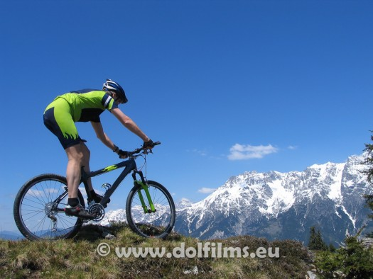 stockfoto mountain biker Alps